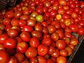 120px-India_-_Koyambedu_Market_-_Tomatoes_06_(3986306253)